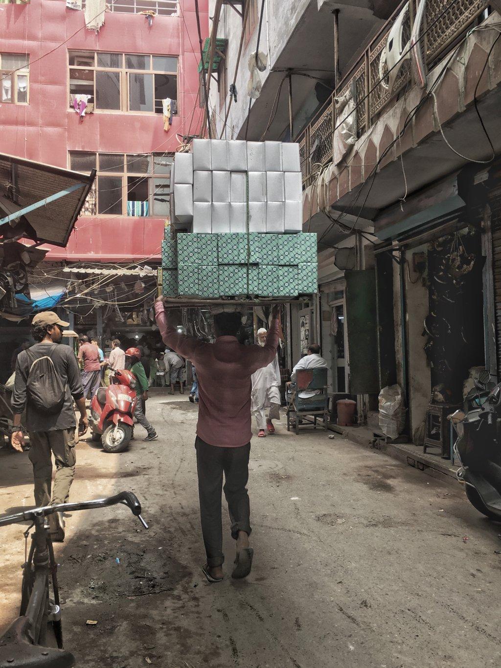 old delhi head carry